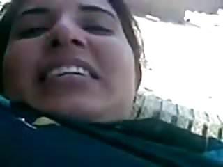 Desi Beautiful muslim Mom Big BOOBS fucked by neighbour
